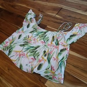 Zara Basic Cold Shoulder Floral Crop Top